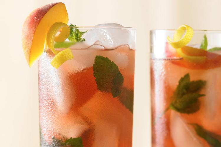 Diet Hard Cranberry Arnold Palmer